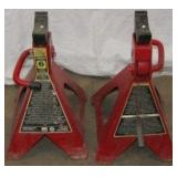 Pair of 6 Ton Big Red Jacks