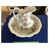 Dalton English bowl /pitcher (small crack)
