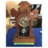 Mantle kitchen clock w /key (maker unknown)