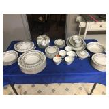 8 place setting w/x-cups (2 bowls & sm bowls
