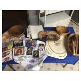 Table cloths, place mats, & baskets