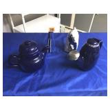 Blue tea pot, sprinkler, & 2 vases