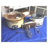 2 crock pot & mixer