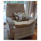 Braxton Culler Wicker Swivel Recliner Chair - A