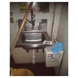 STAINLESS STEEL SINK CLEANING STATION
