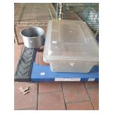 Rubbermaid storage container and bowl