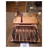 Wood cutting board, Eiffel Tower Spice