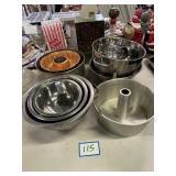 Assorted Kitchen Items Bundt Pan, Bowls,