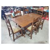 Dining Table w/2 Extensions and Chairs