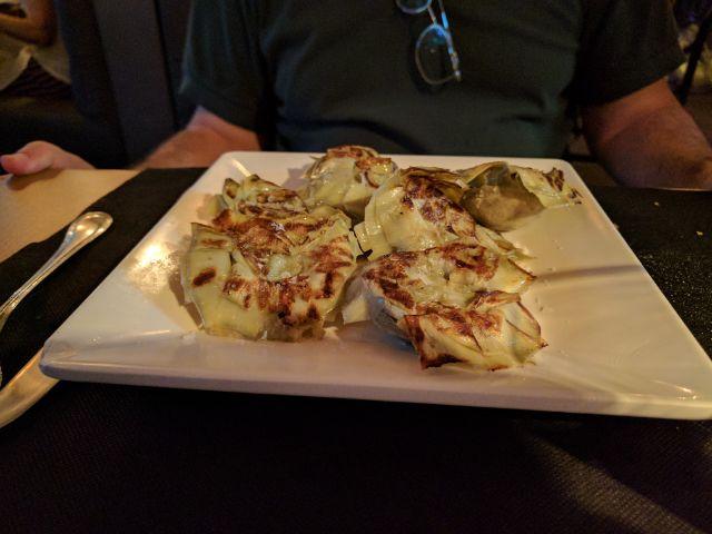 Alcachofas a la plancha con aceite de sésamo y sal Maldón