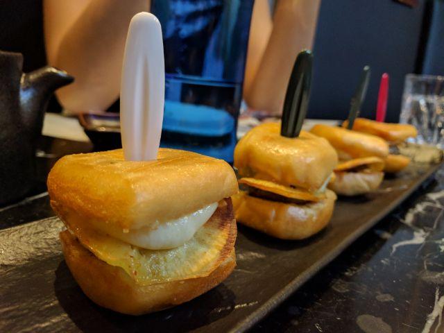 Mini hamburguesas japolatinas