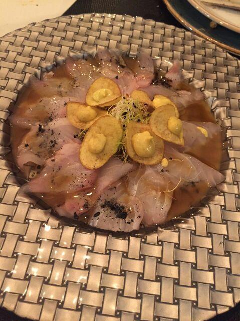 Sashimi de lubina con tres aceites