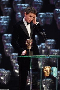 257AFDE400000578-2944913-Amazed_Eddie_Redmayne_looked_completely_shocked_to_learn_he_had_-a-151_1423436706922