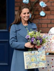 Kate-Middleton-Visits-Pottery-Factory
