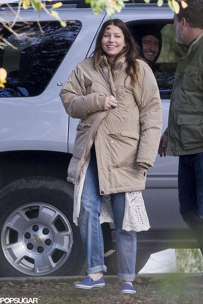 Justin-Timberlake-Visits-Pregnant-Jessica-Biel-Movie-Set