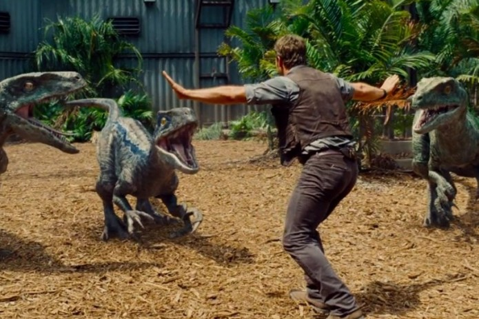 chris-pratt-velociraptor-pose