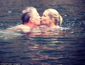 2AF0693D00000578-3179261-Heating_things_up_David_posted_a_photo_of_the_couple_kissing_whi-m-4_1438208481638