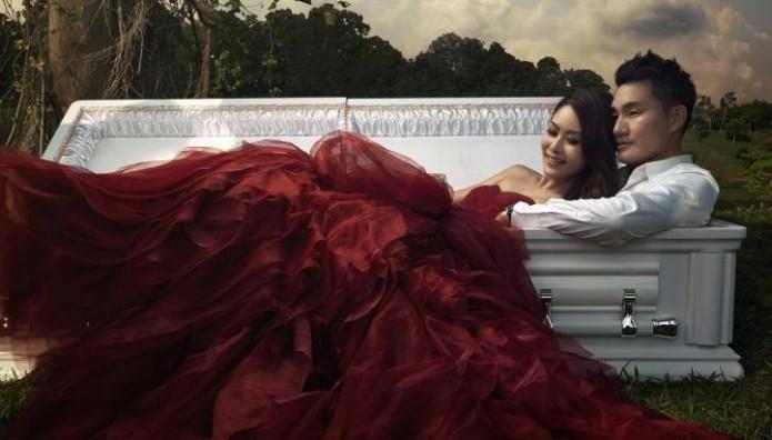 creepy_coffin_wedding_shoot