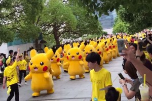 More-than-1000-pocket-monsters-tke-part-in-the-annual-eventInvasion-of-the-Pikachus