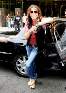 June 23,2008: Steven Tyler spotted leaving his hotel to enjoy the afternoon out shopping at Barney's in New York City. Credit: Daniel/INFphoto.com   Ref.: infusny-99