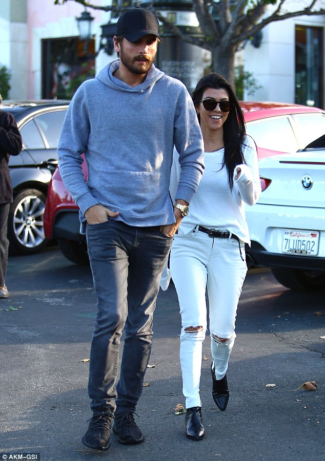 2ED0A53300000578-3334296-On_the_road_to_reconciling_Kourtney_Kardashian_and_Scott_Disick_-m-48_1448494583848