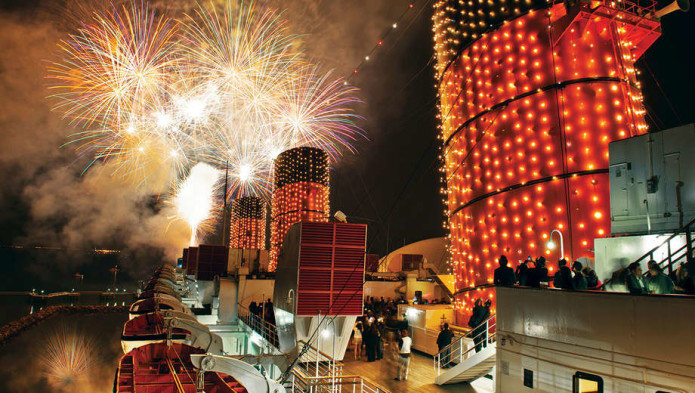 1450487106-queenmary_fireworks_tickets