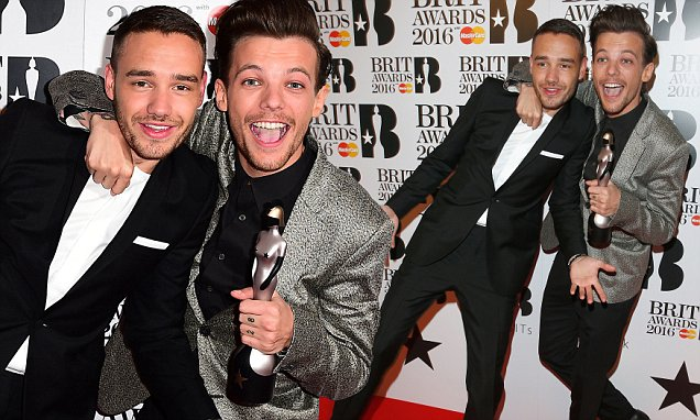 Liam Payne (left) and Louis Tomlinson (right) form One Direction with the BRIT Award for British Artist Video of the Year in the press room at the 2016 Brit Awards at the O2 Arena, London. PRESS ASSOCIATION Photo. Picture date: Wednesday February 24, 2016. See PA story SHOWBIZ Brits. Photo credit should read: Ian West/PA Wire