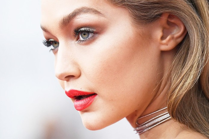 Gigi-red-lips