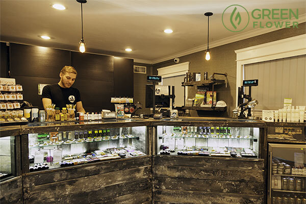 budtender at Buds and Roses dispensary