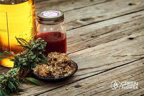 cannabis buds and cannabis oil