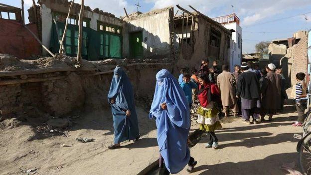 Terremoto deja 84 muertos en Afganistán y 154 en Pakistán
