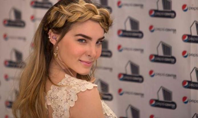 Belinda, con amparo- Gregorio Martínez.