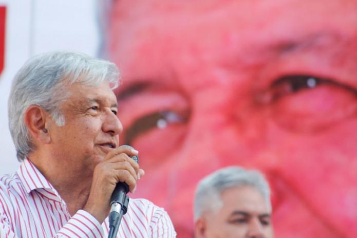 AMLO califica a gobierno de Jaime Rodríguez- Gregorio Martínez.