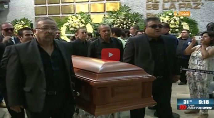 Rinden homenaje al diputado local panista Sergio Pérez Díaz, quien perdió la vida en un accidente