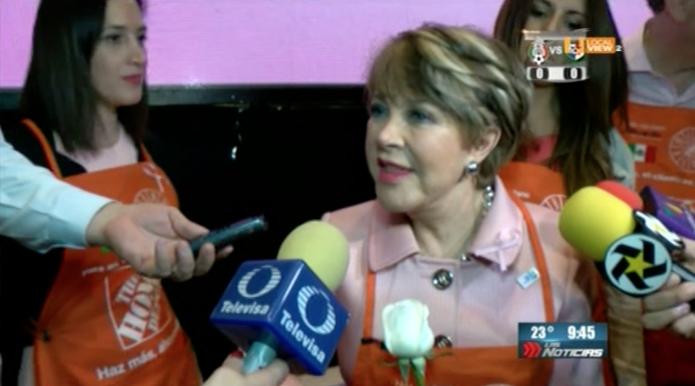 Mi querida Lolita Ayala estuvo en Monterrey. Recibió un donativo para Sólo por Ayudar IAP