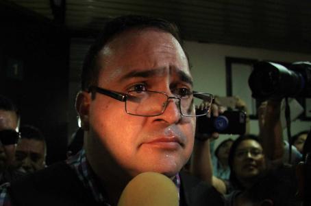 Duarte pide un colchón, lámpara y que le dejen hacer amigos