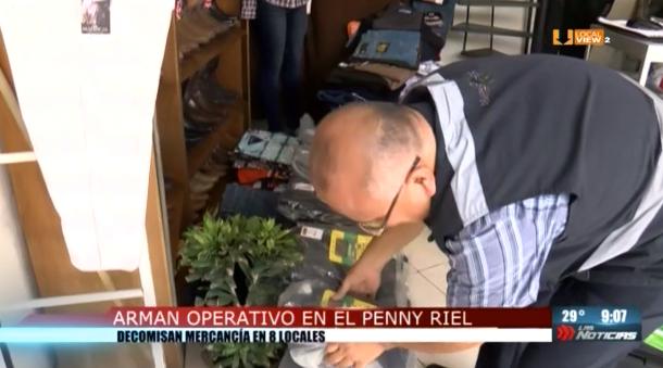 """Operativo contra la piratería en el """"Peny Riel"""""""