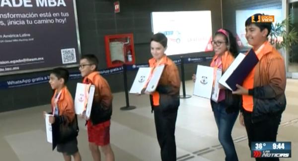 Regresan de Tailandia con medalla de bronce. Son niños de Nuevo León que compitieron en Olimpiada de Matemáticas