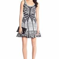 DVF body con print flare dress