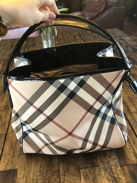 Burberry nova check barely worn shoulder bag