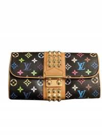 Special addition Louis Vuitton Clutch
