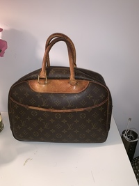 Louis Vuitton Mont Deauville - handle need repair