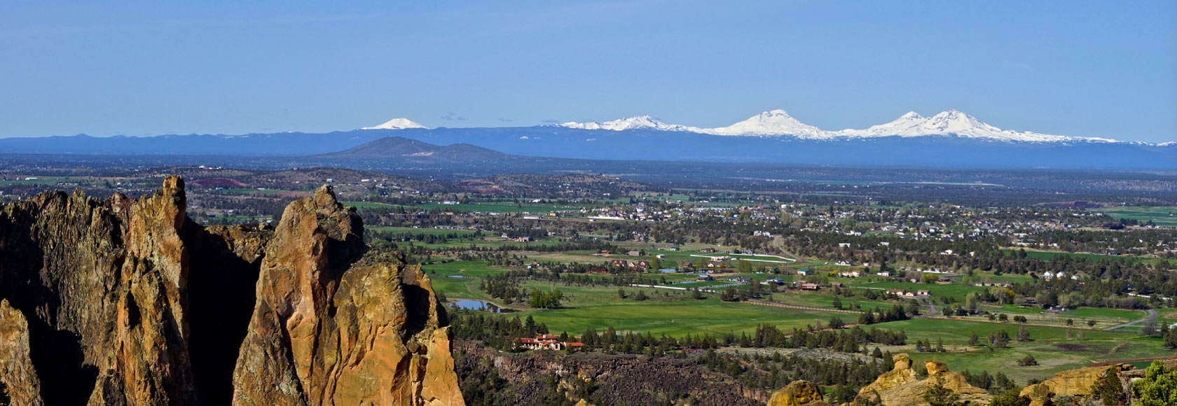 View of the Cascade Mountains form Smith Rock
