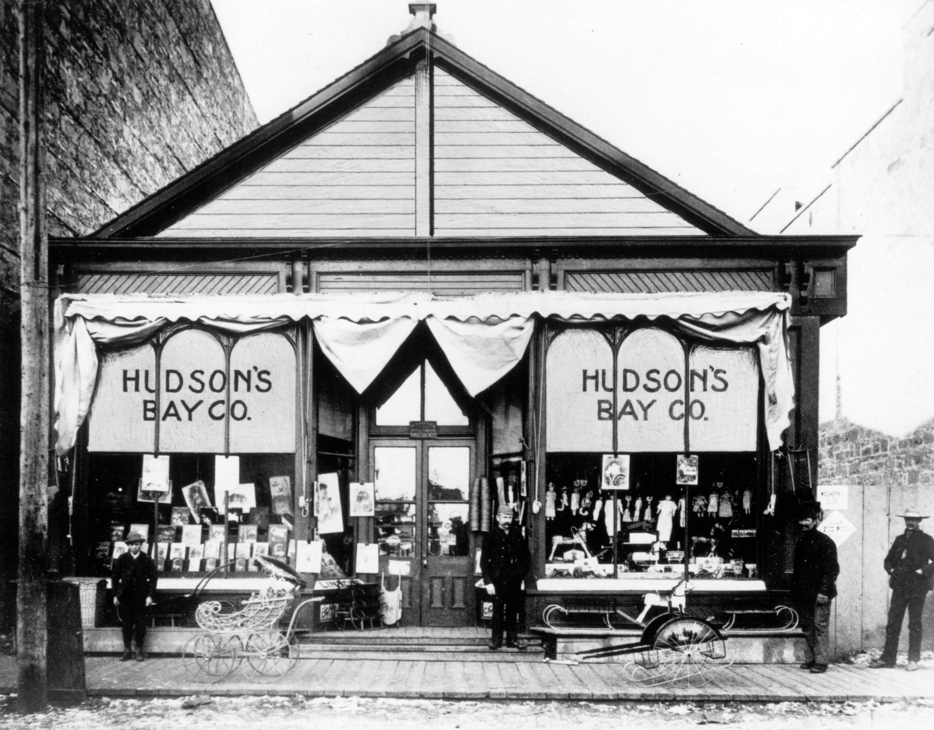 Resultado de imagen de hudson bay first department store calgary