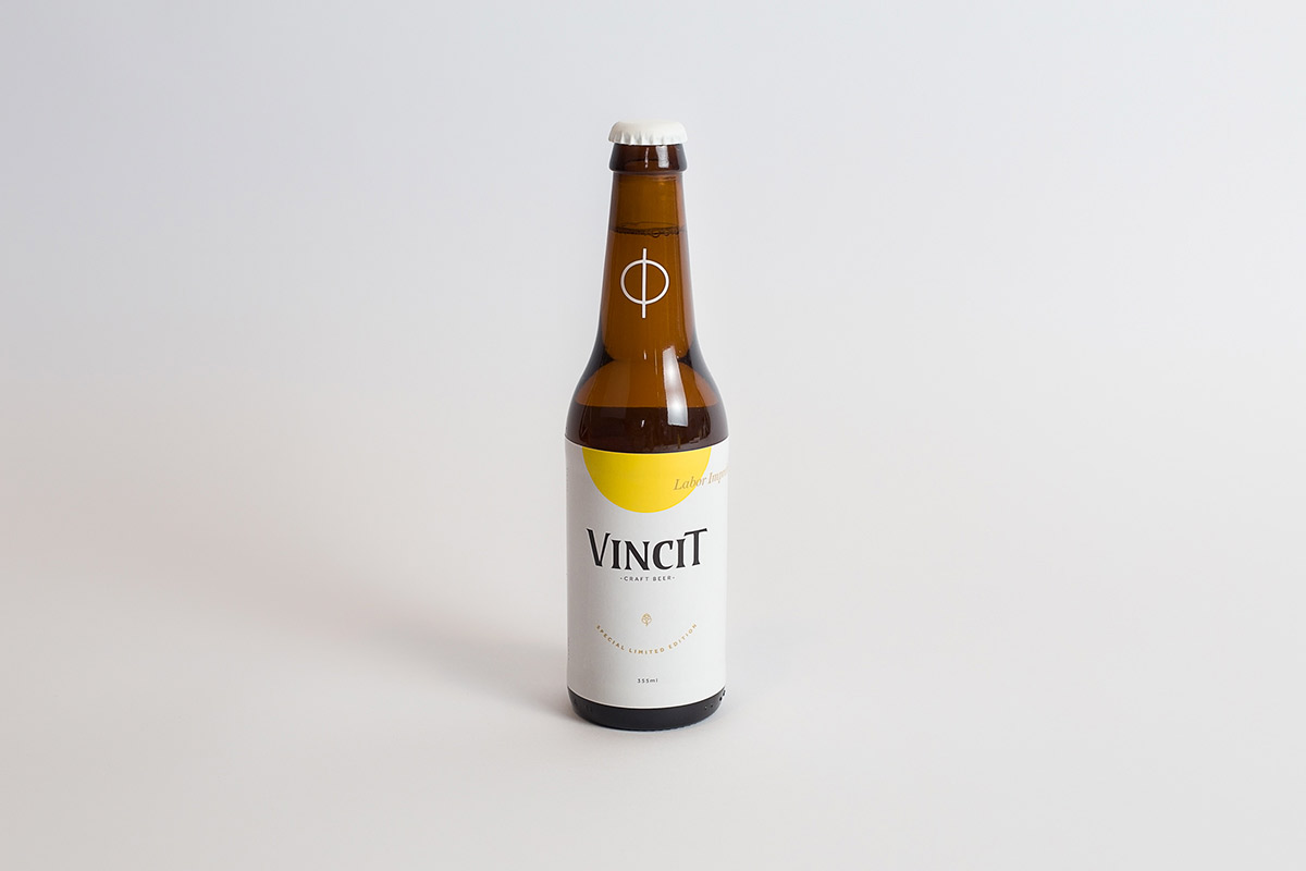 Craft Beer with an Exclusive and Customized Label Representing to the Artist and his Personal Taste in Design