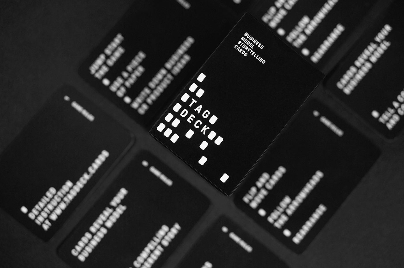 TagDeck - Business Cards & Graphic Design Inspiration
