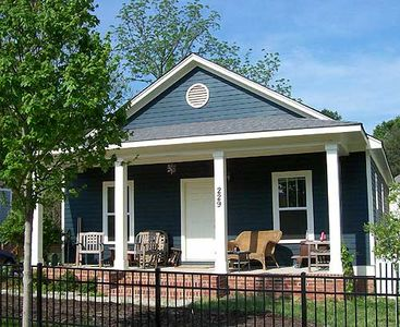 Classic single story bungalow 10045tt architectural for Classic cottage house plans