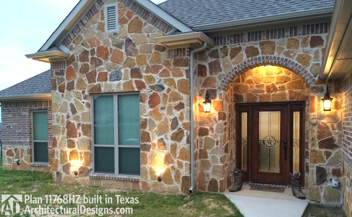 House Plan 11768HZ comes to life in Texas - photo 001
