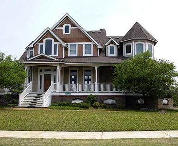 Shingled Beauty with Two Stairs - 13087FL thumb - 01