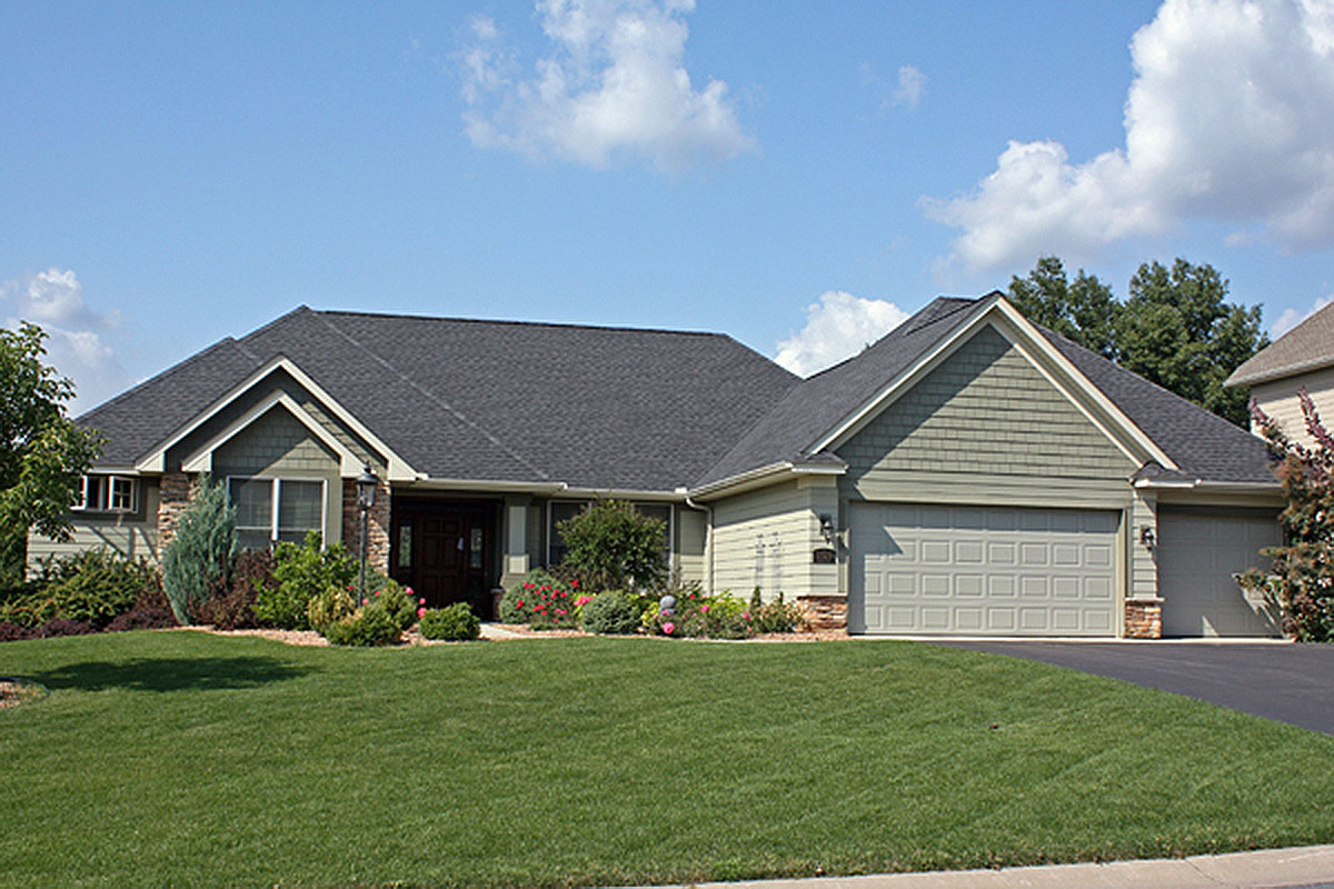 Spacious ranch with lower level 14539rk architectural for Architecturaldesigns com house plan 56364sm asp